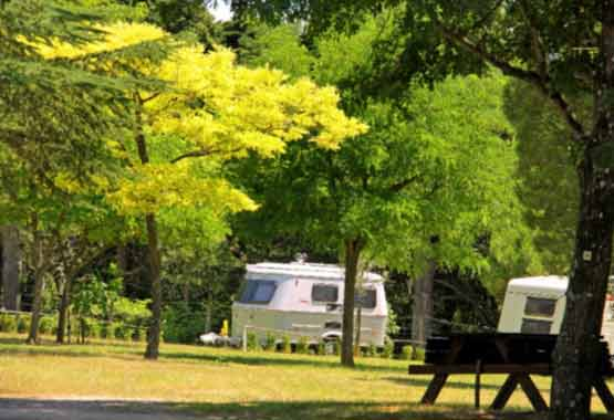 Location emplacement camping Carcassonne